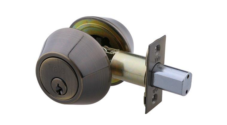 on yale wooden door locks