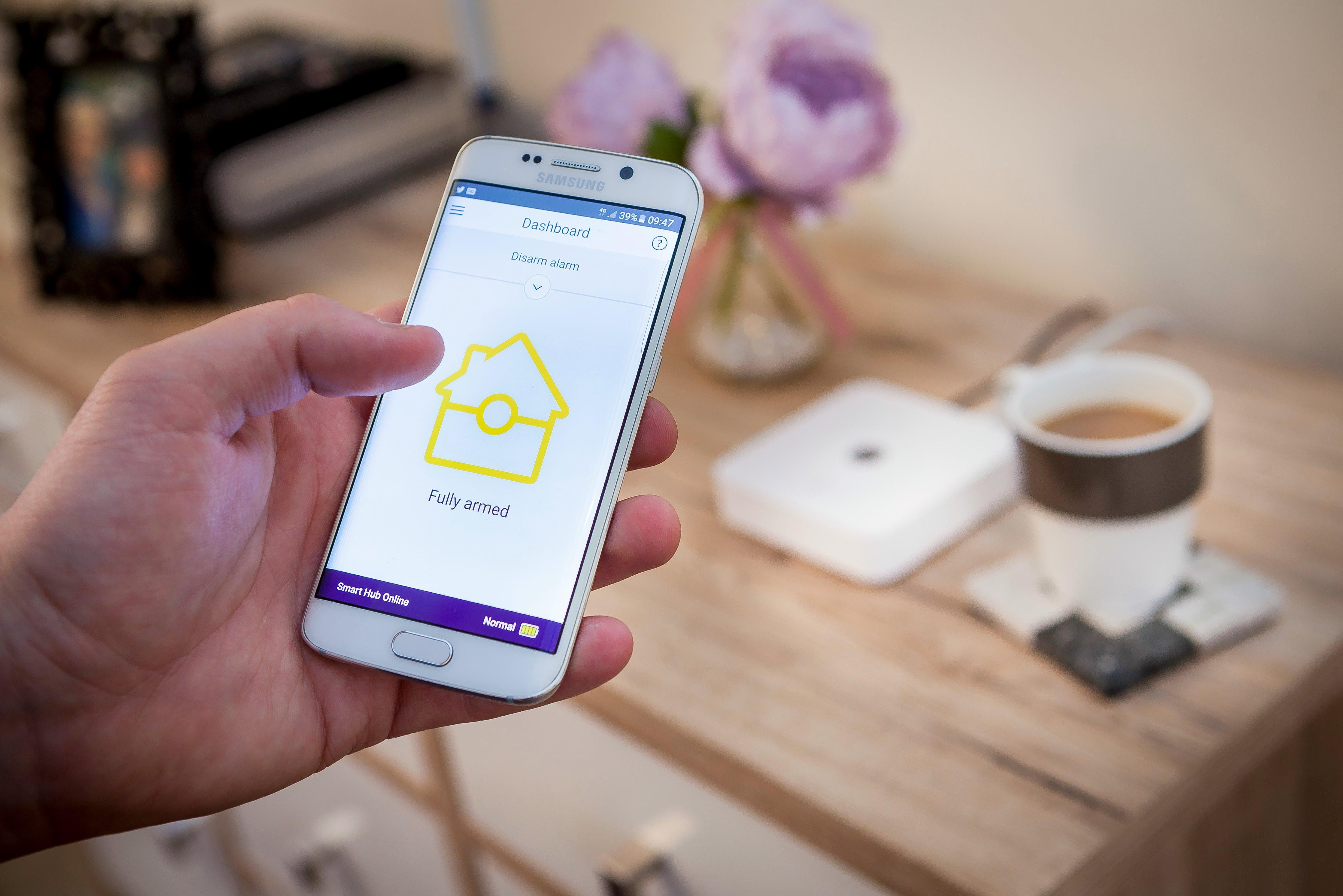 Smart Home Alarm Sistemleri