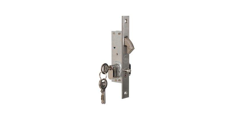 Slam Hook Lock with cylinder - Security Gate Locks - Yale